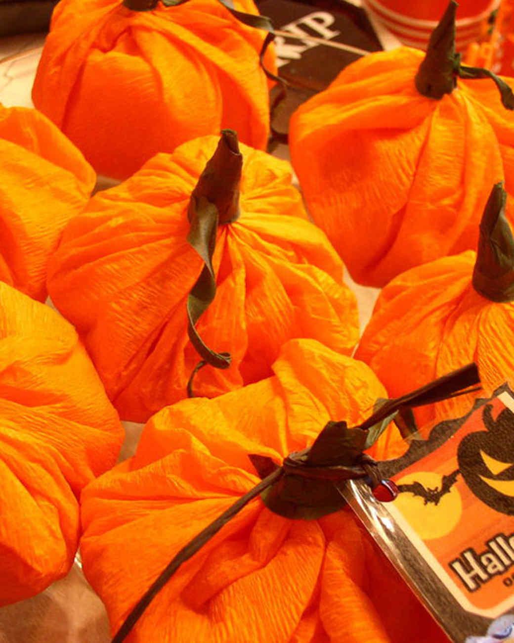 best_of_halloween09_pumpkin_favors.jpg