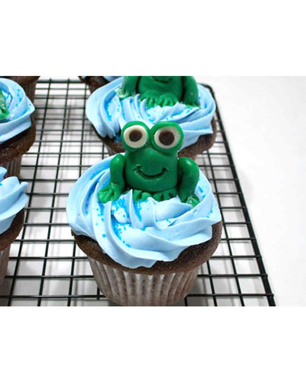 cupcake_contest_0211_frog_cupcakes.jpg