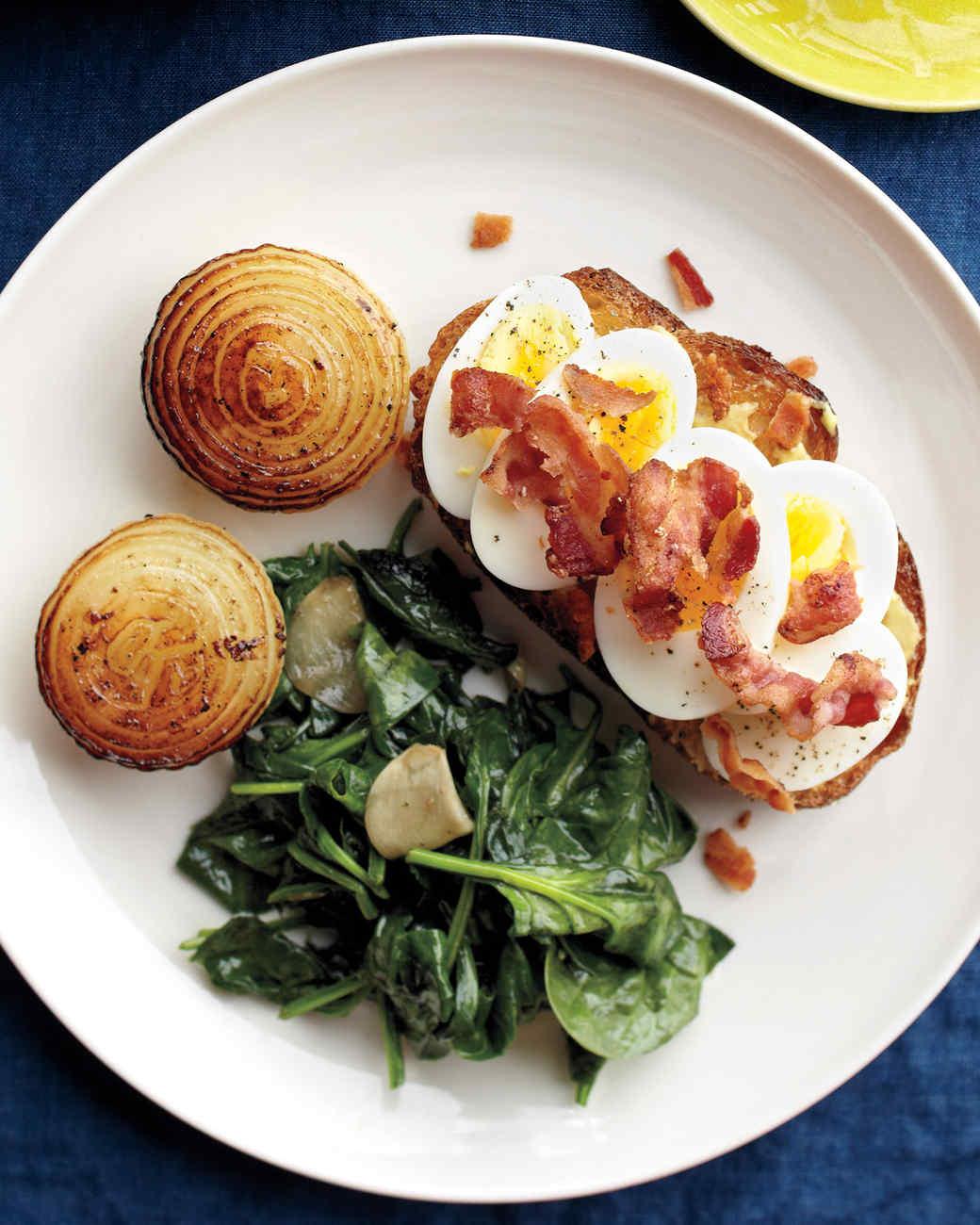 med106560_0311_bag_egg_bacon_toast.jpg