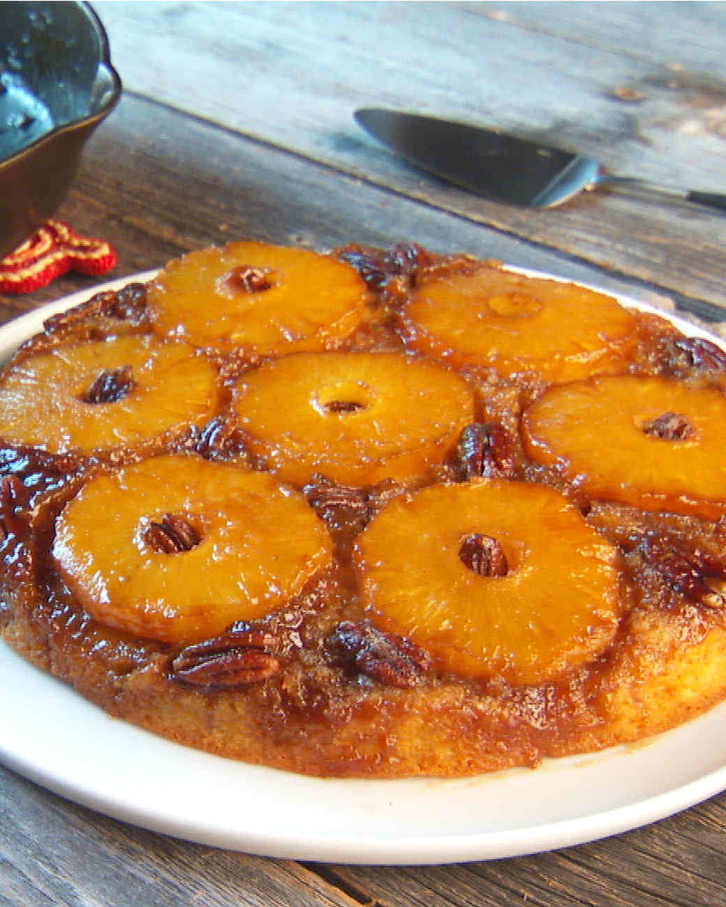 mh_1059_pineapple_upside_down_cake.jpg