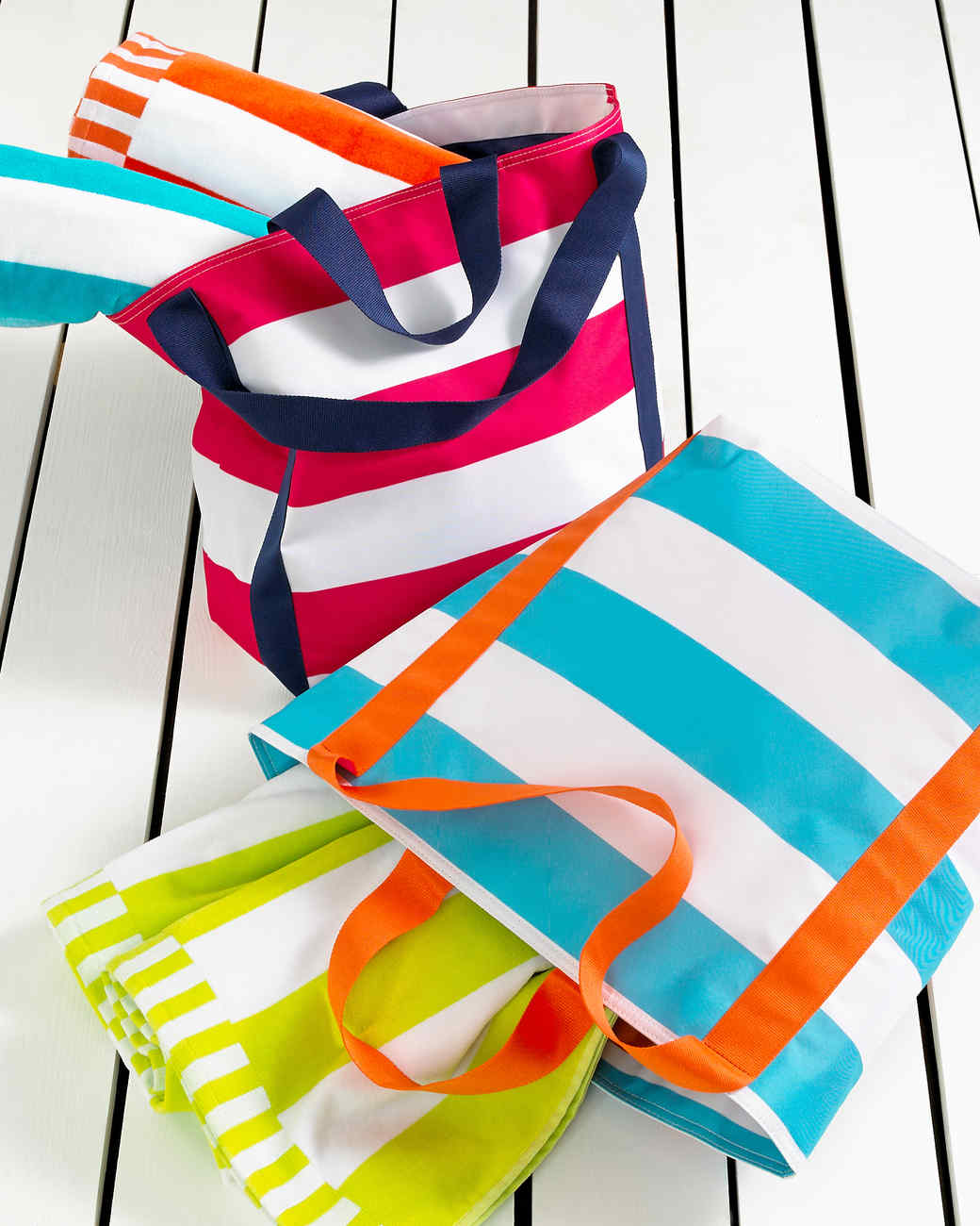 msmacys-groupshot-towels-mrkt-0514.jpg