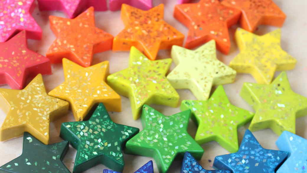 star-shaped glitter crayons