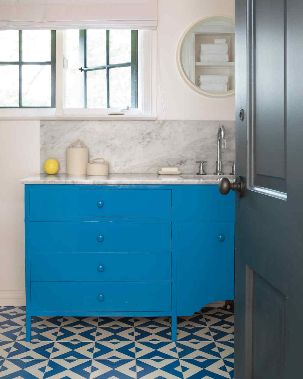 Our favorite bathrooms martha stewart for Bathroom color ideas blue