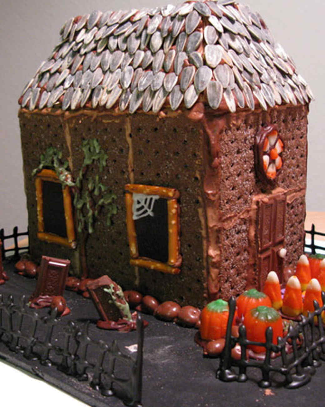 your best halloween creations martha stewart - Halloween Decorations Cakes