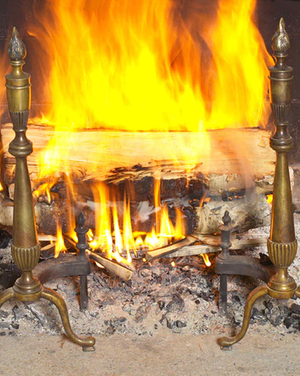 how to start a fire and other fireplace basics martha stewart. Black Bedroom Furniture Sets. Home Design Ideas