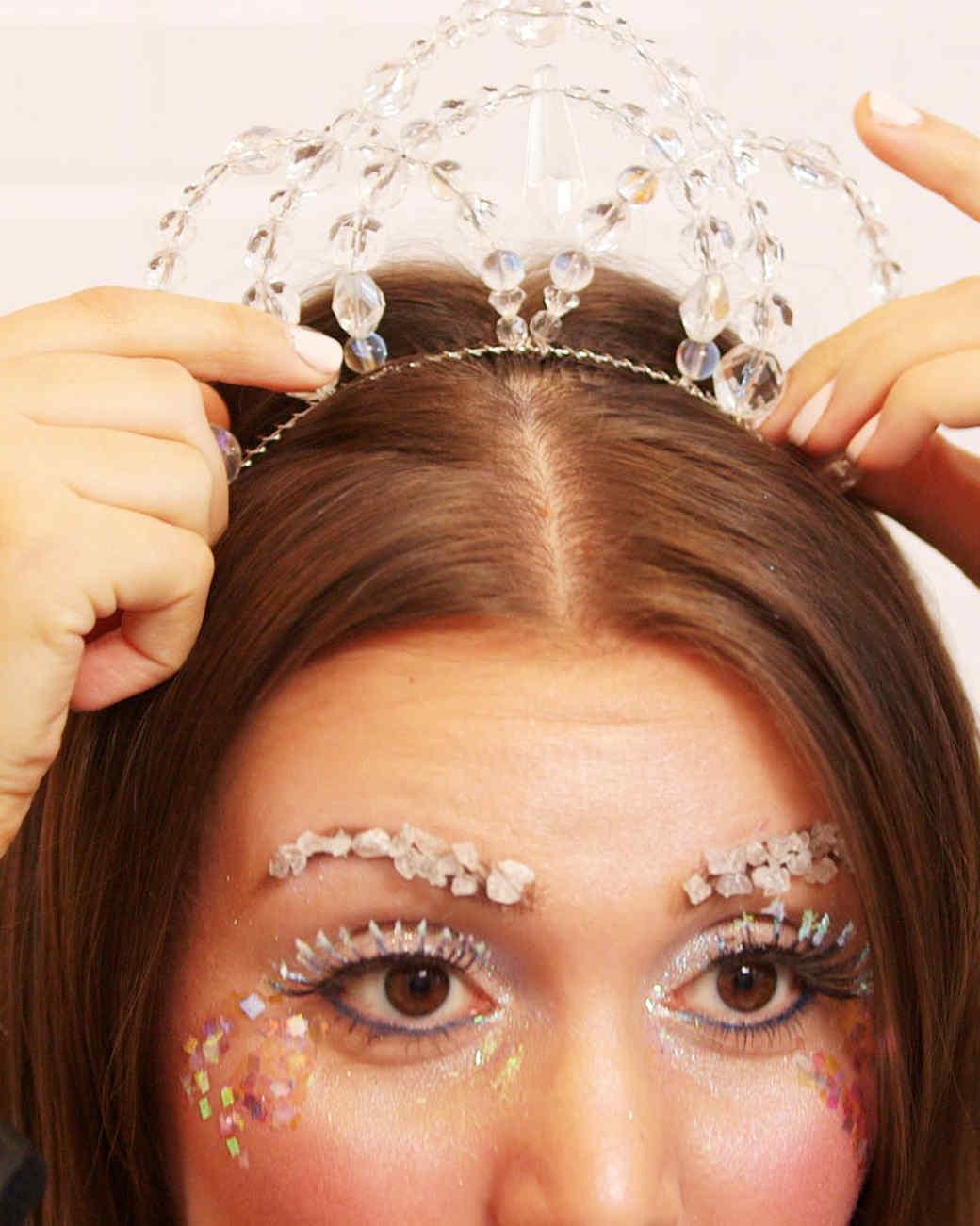 ice_queen_halloween_makeup_tutorial.jpg