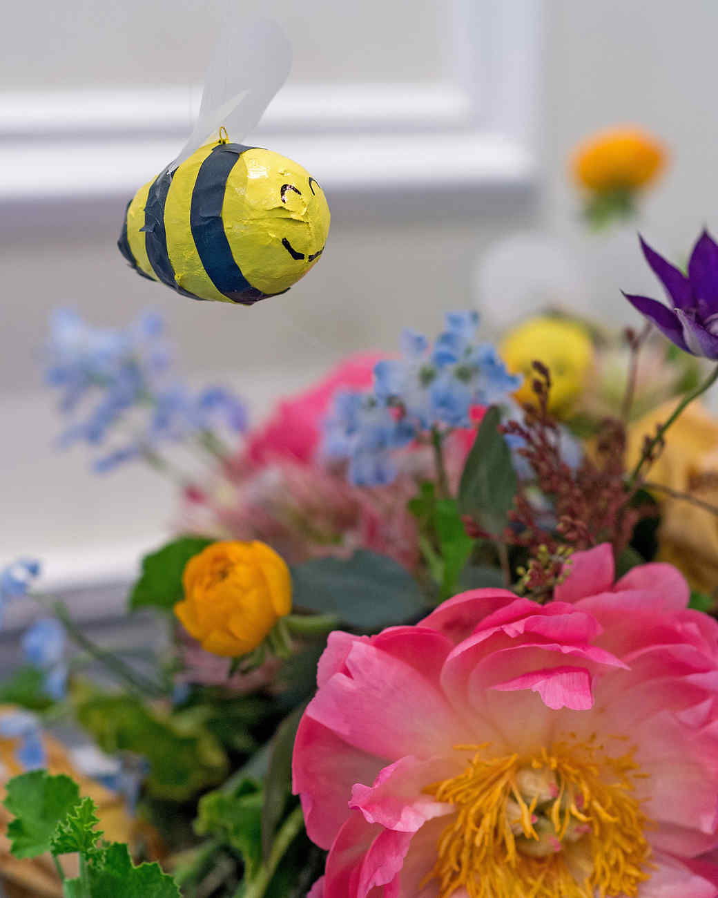 mangiolino bee and flower closeup