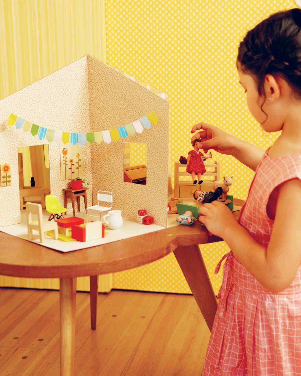 petit-collage-paper-dollhouse-3-0615.jpg