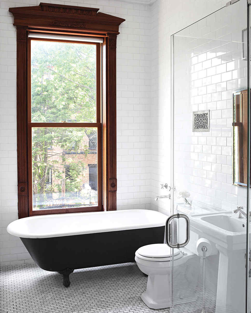 pilars-house-bathtub-0911mld10753718.jpg
