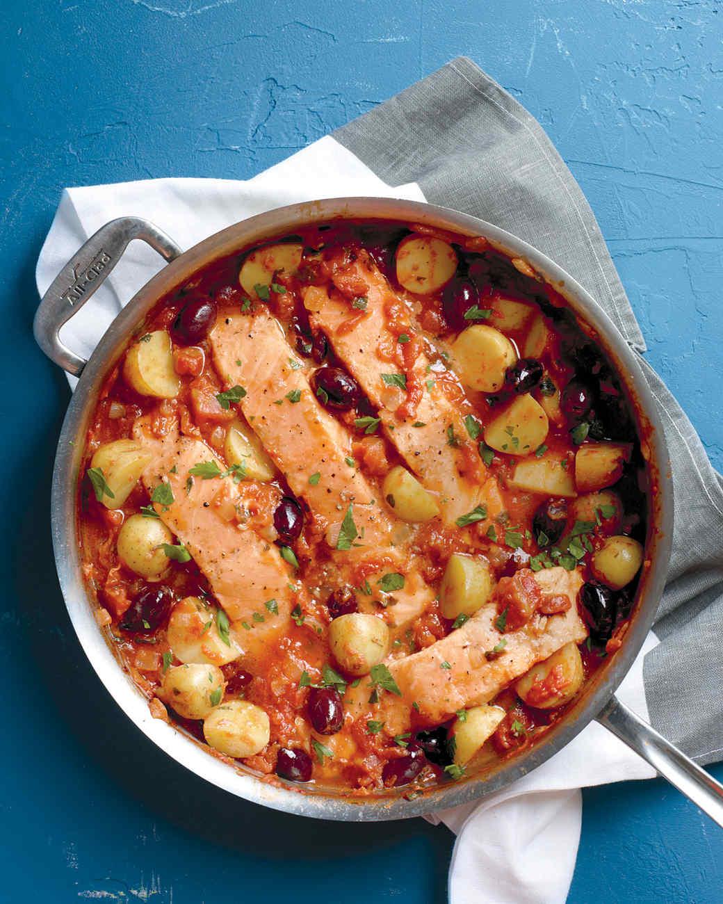salmon-potato-tomato-sauce-med107508.jpg