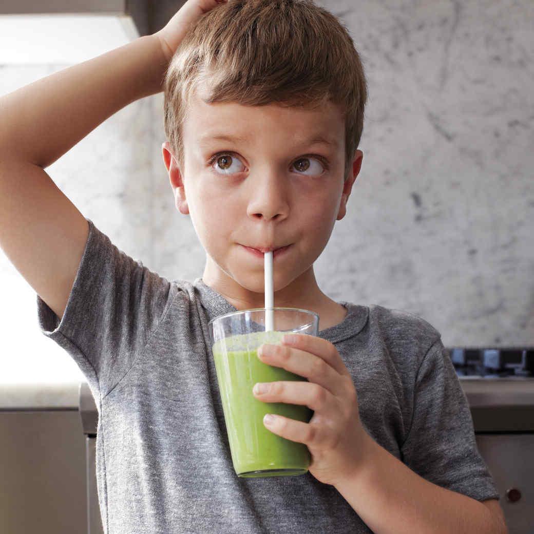 Kale, Pineapple, and Almond-Milk Smoothie