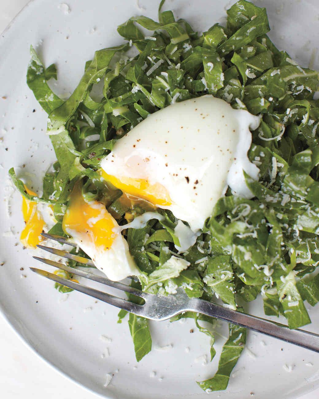 salad-chard-poached-egg-1011mbd107728.jpg