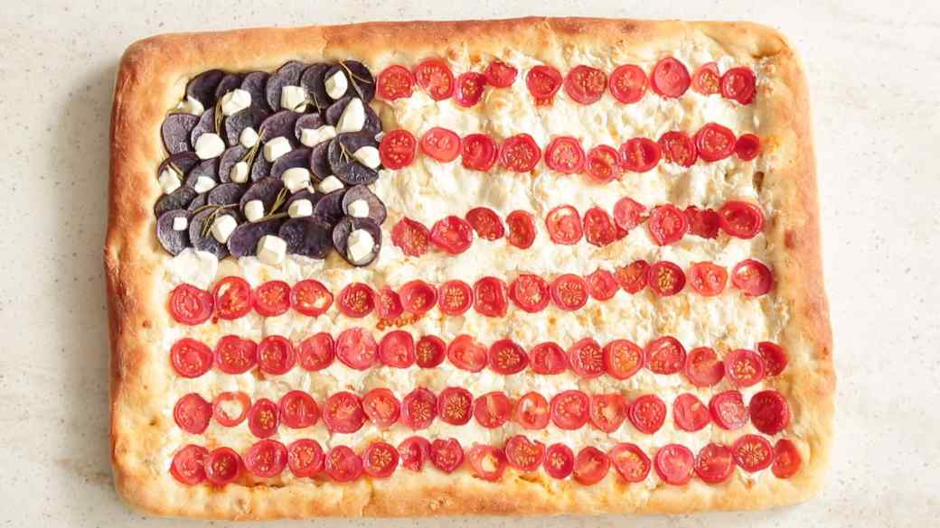 How to Make an American Flag Pizza Pie