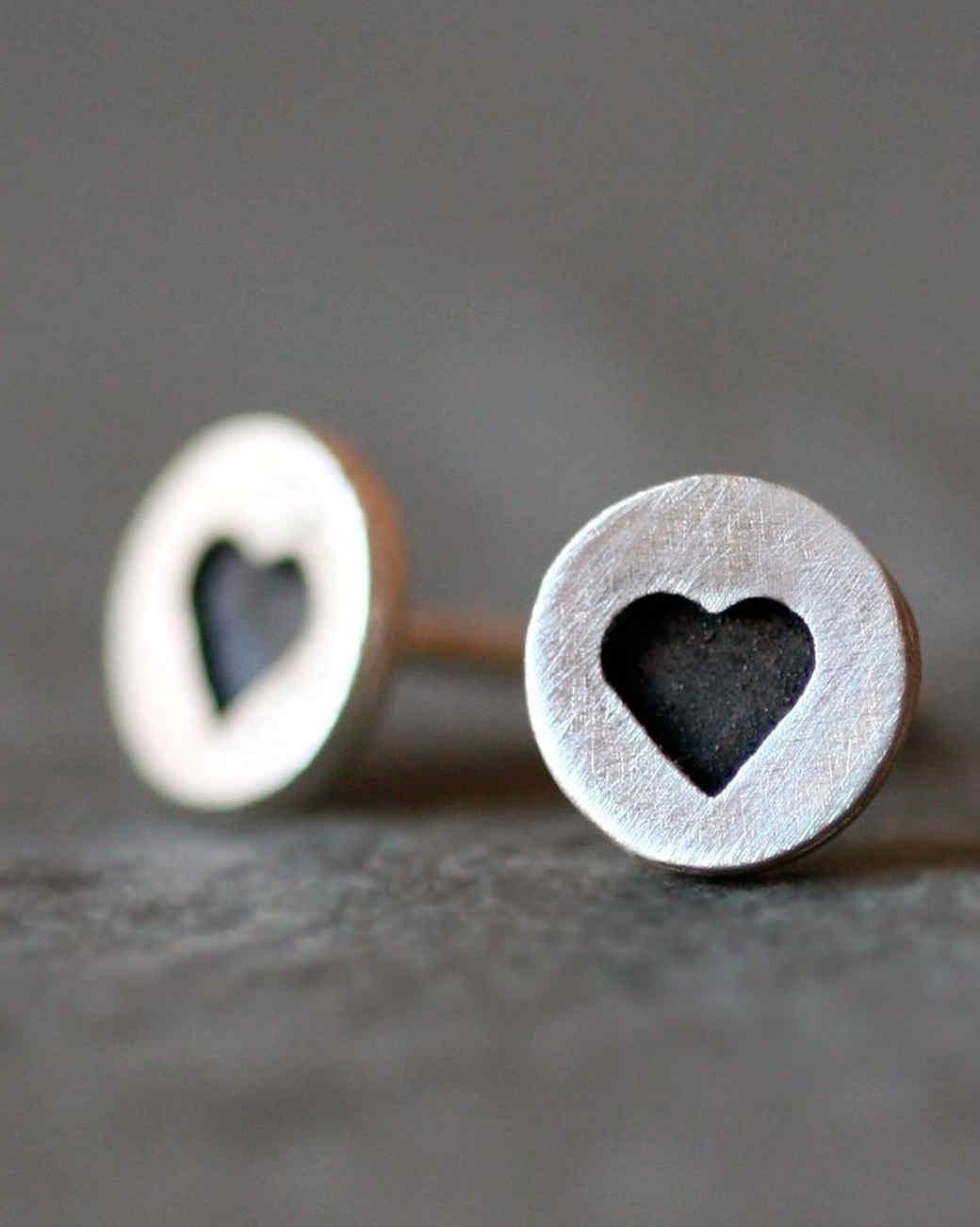 michelle-chang-heart-stud-earrings1015.jpg