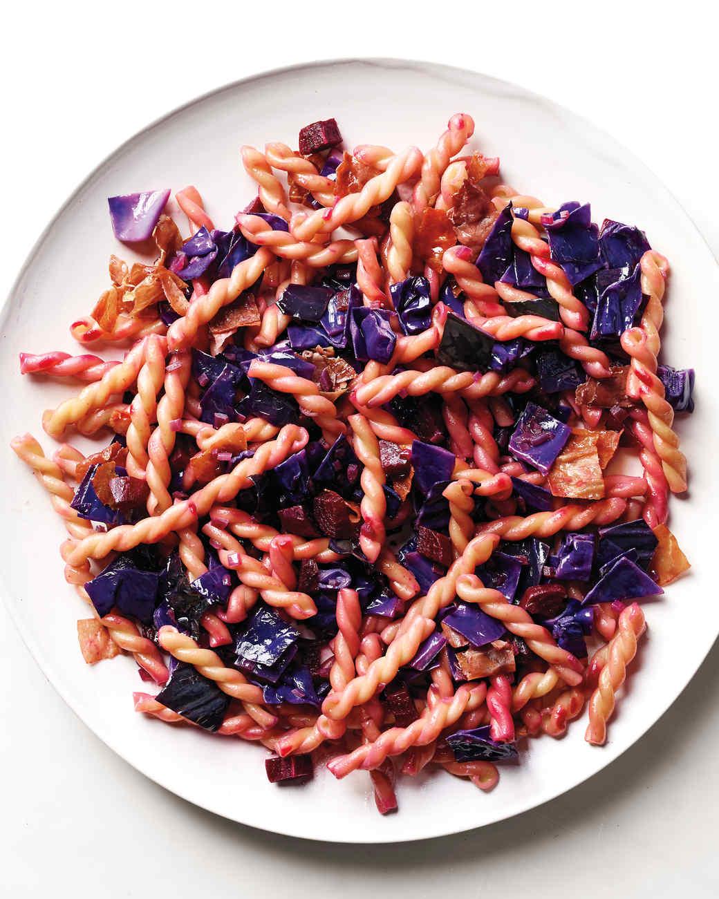 pasta-gemelli-red-cabbage-0063-d111697.jpg