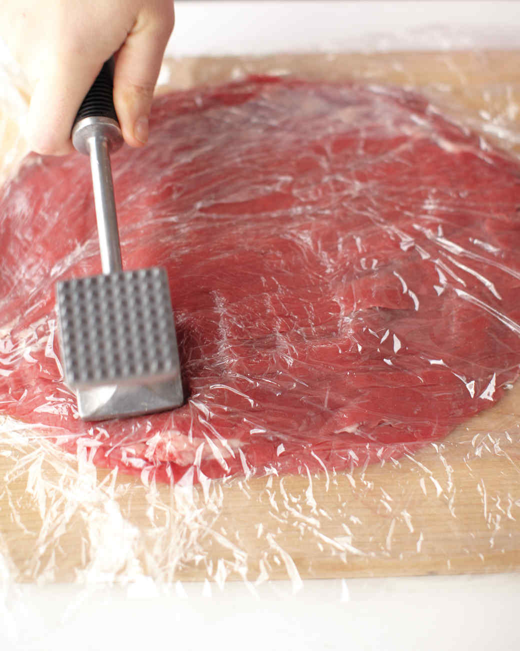rolled-stuffed-flank-steak-3-med108372.jpg