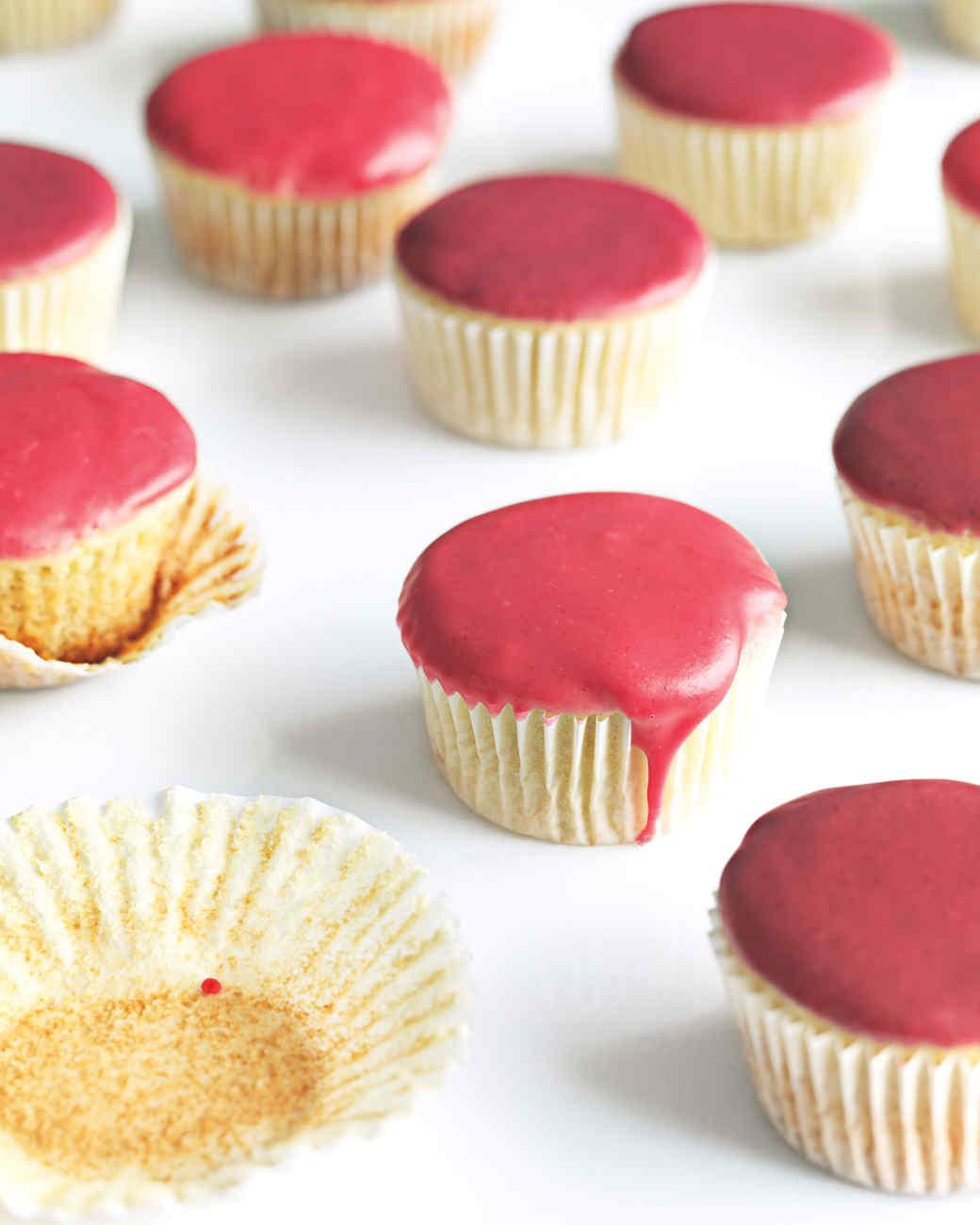 vanilla-cupcakes-fruit-glaze-med107845.jpg