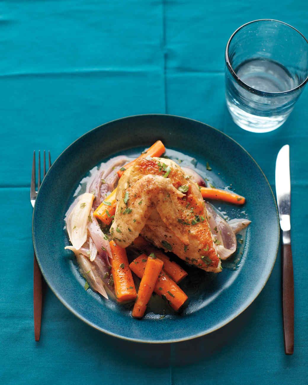 braised-chicken-carrots-onion-med108019.jpg