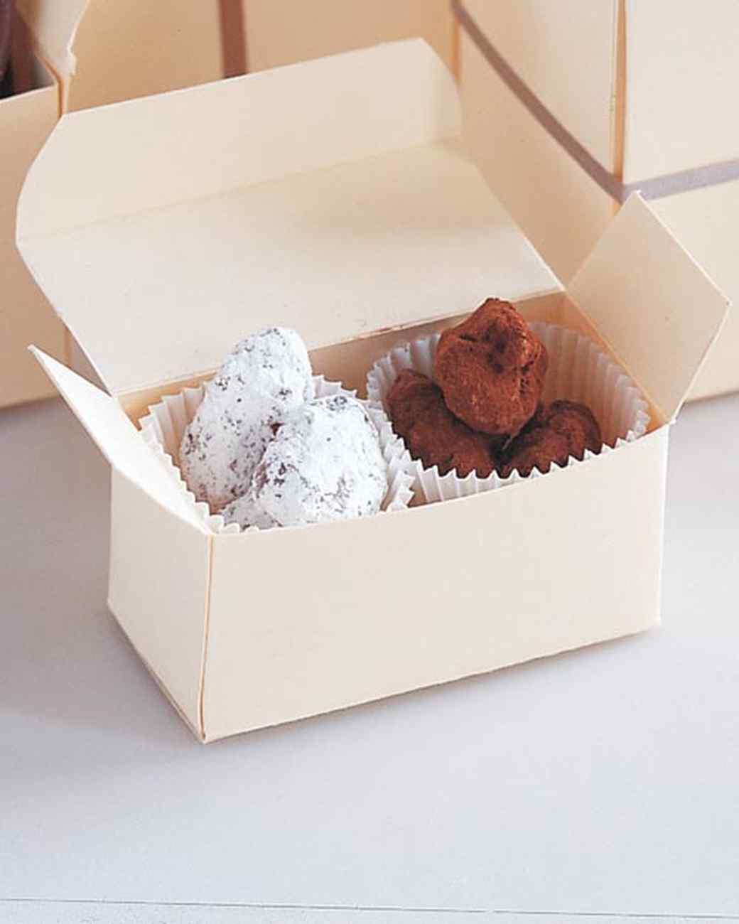 ml711k21_1197_chocolate_covered_almonds.jpg