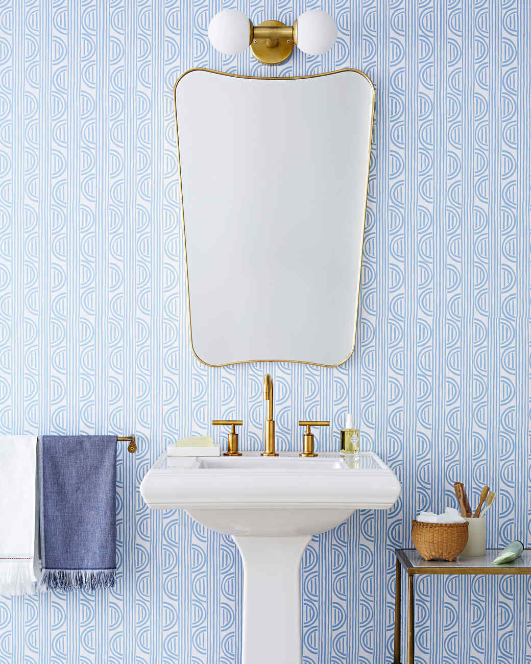 peel off wallpaper bathroom