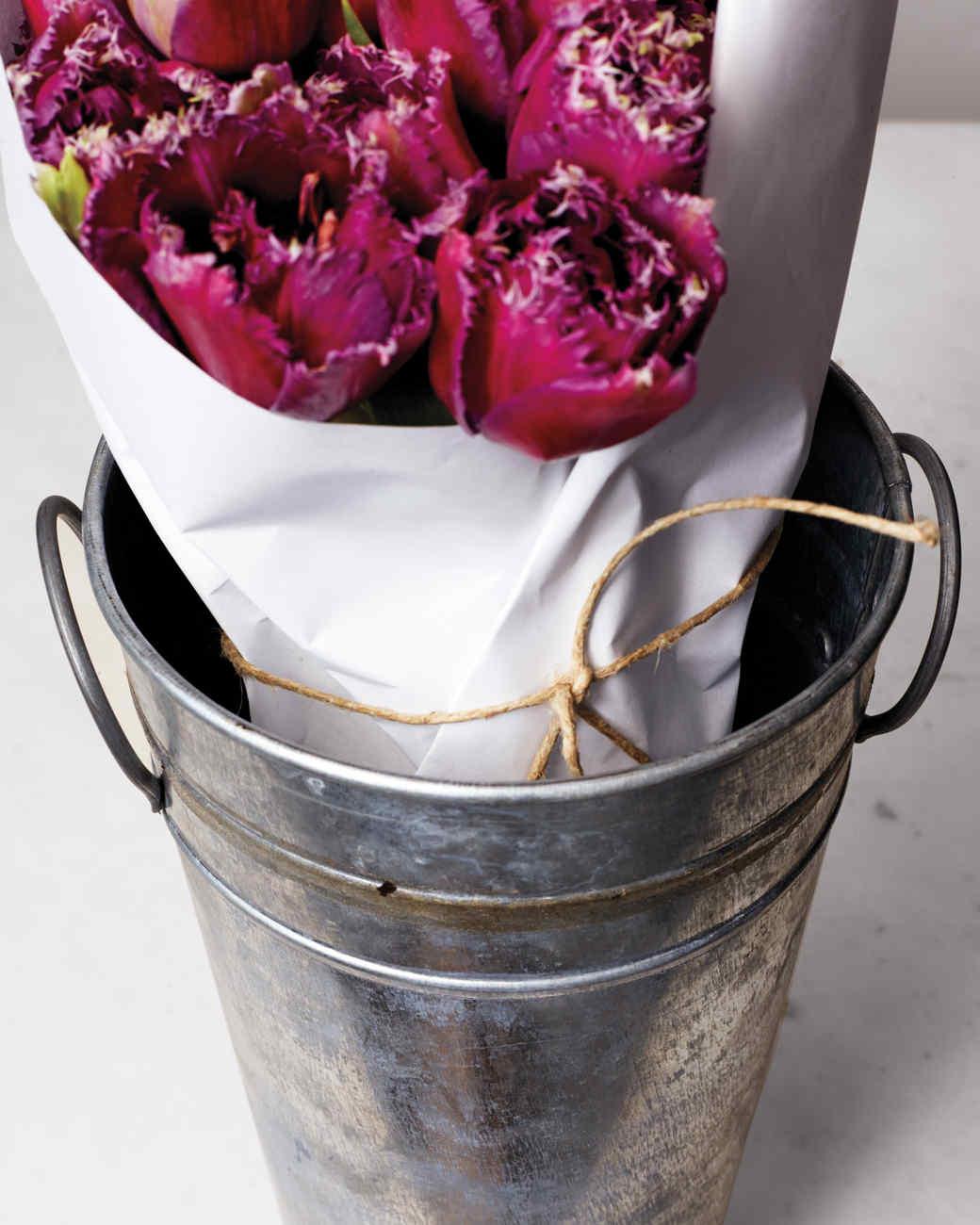 how-to-flower-arrangement-v12-67-d111001.jpg