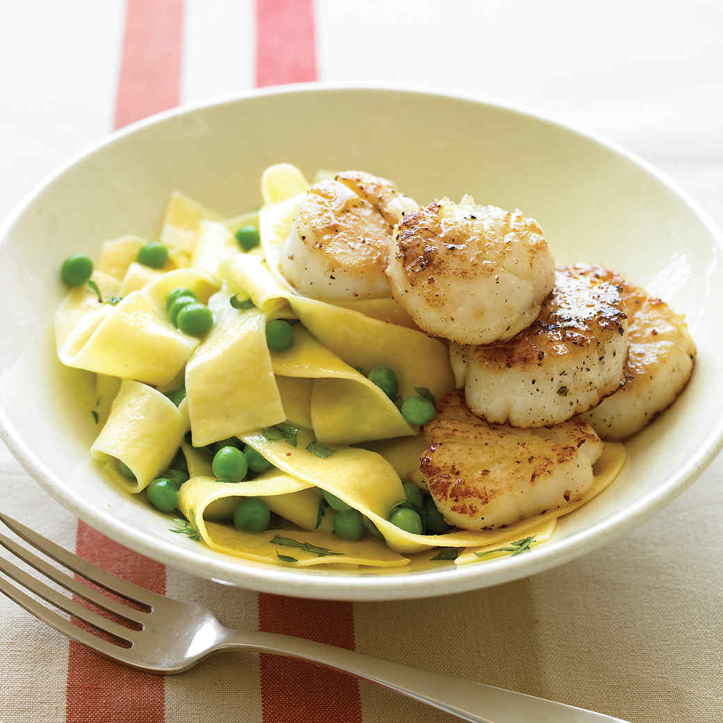 Pappardelle with Sauteed Scallops and Peas