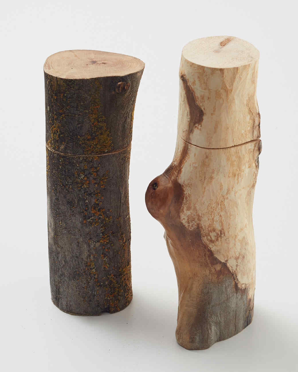 wood-salt-and-pepper-shakers-202-d112494.jpg