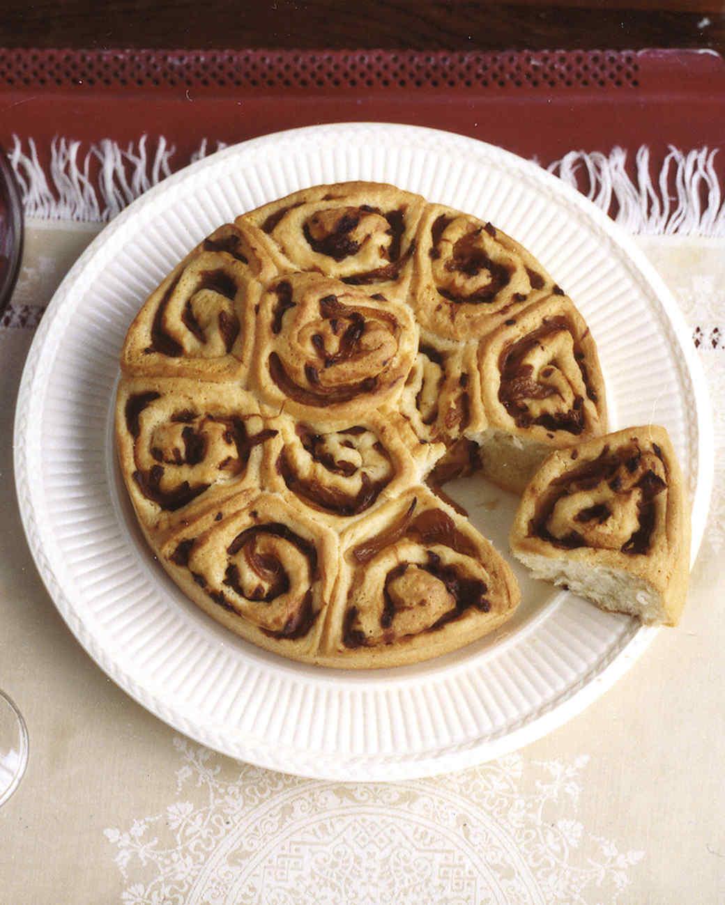 Buttermilk-Onion Pull-Apart Rolls
