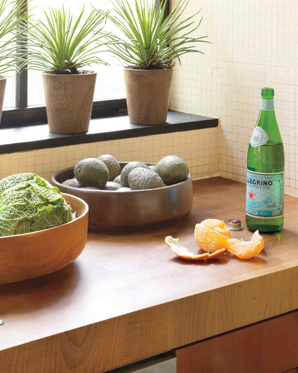 cary-tamarkin-kitchen-counter-1-mld107949.jpg