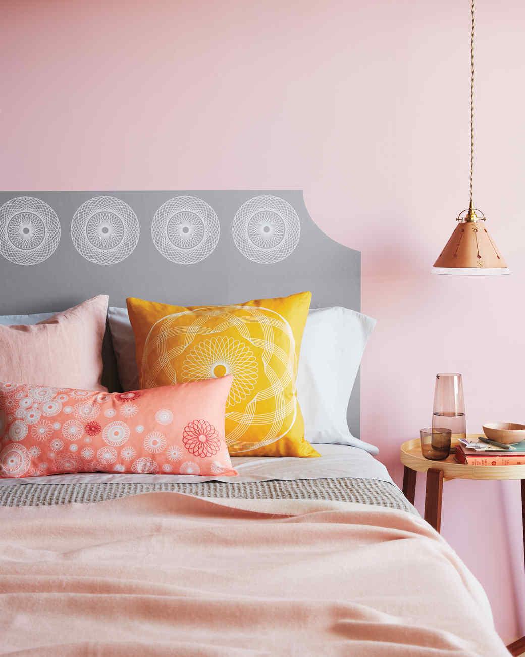 spirograph-headboard-pillows-047-d112641r.jpg