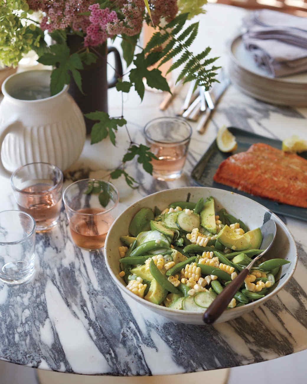msl-weekend-menu-salad-salmon-053-md109410.jpg