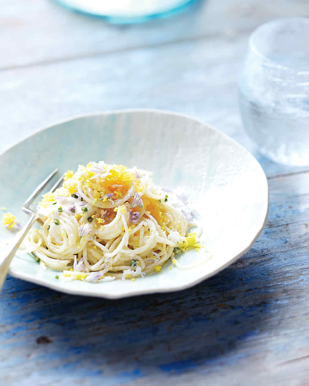 pasta-capellini-chive-blossoms-2-mld107621.jpg