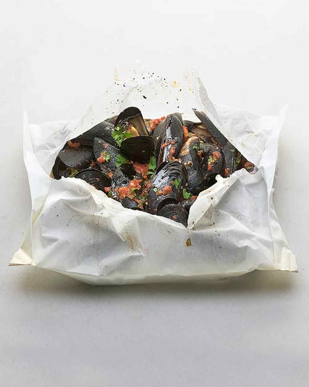d101063_bf1v2116c_0105_mussels_tomato_sauce.jpg