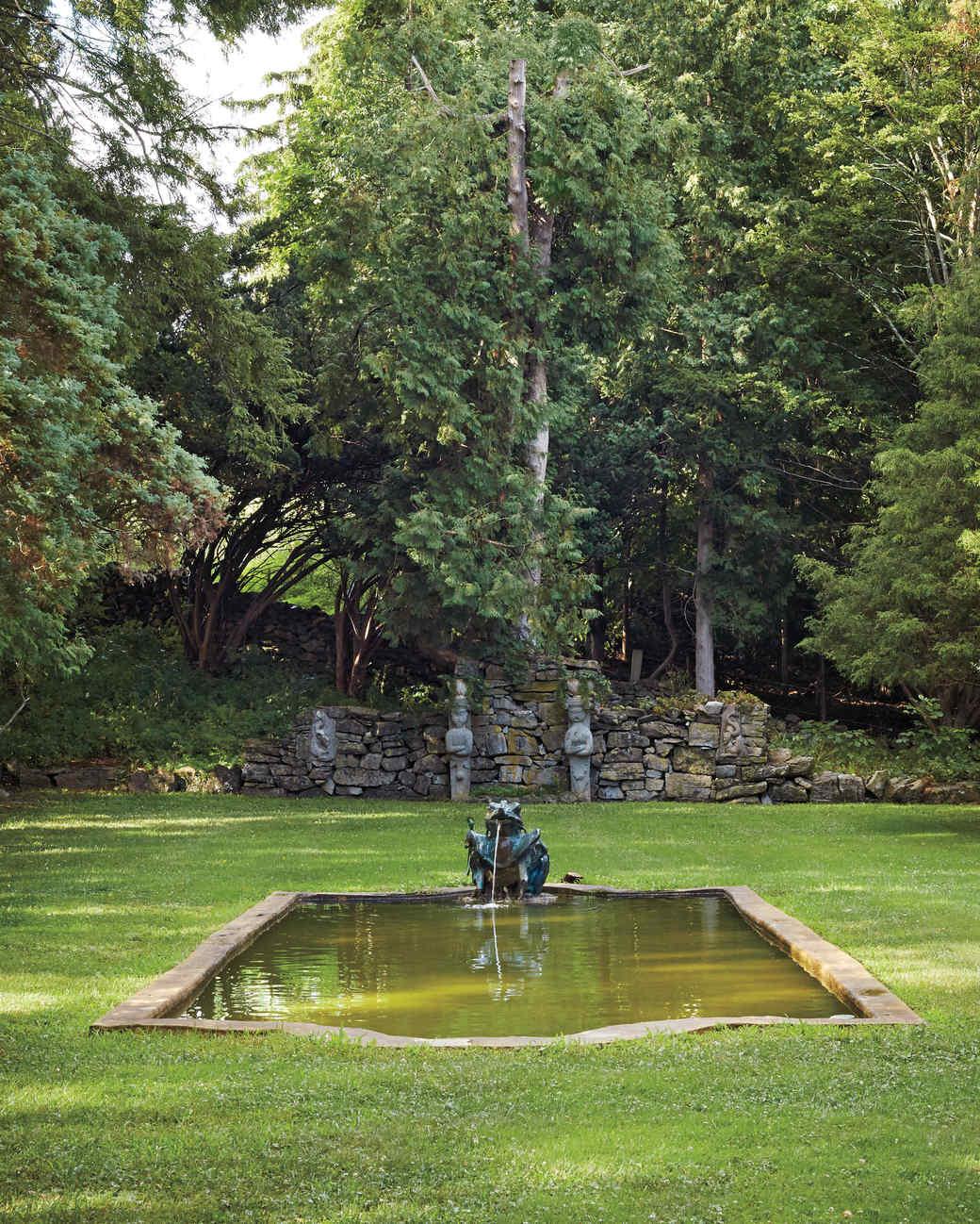 meadowburn-farm-garden-statuary-004-d111449.jpg