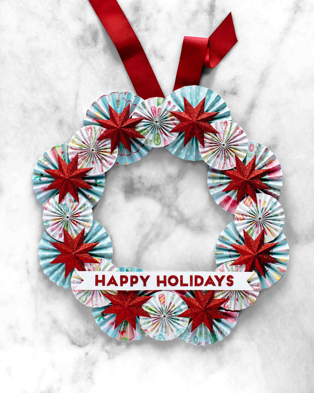 A Cheerful Paper Holiday Wreath