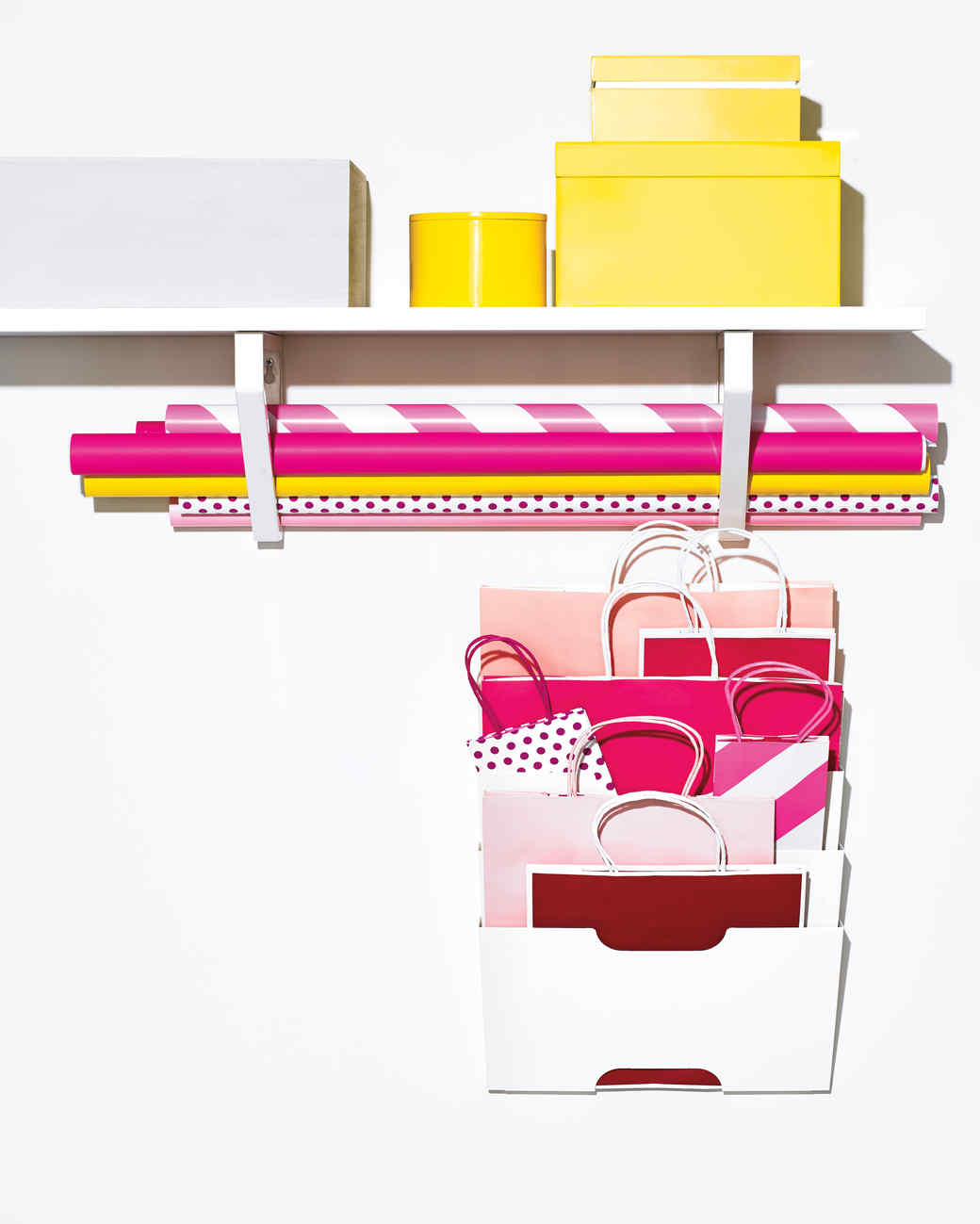 wrapping-paper-gift-bag-storage-248-d111605.jpg