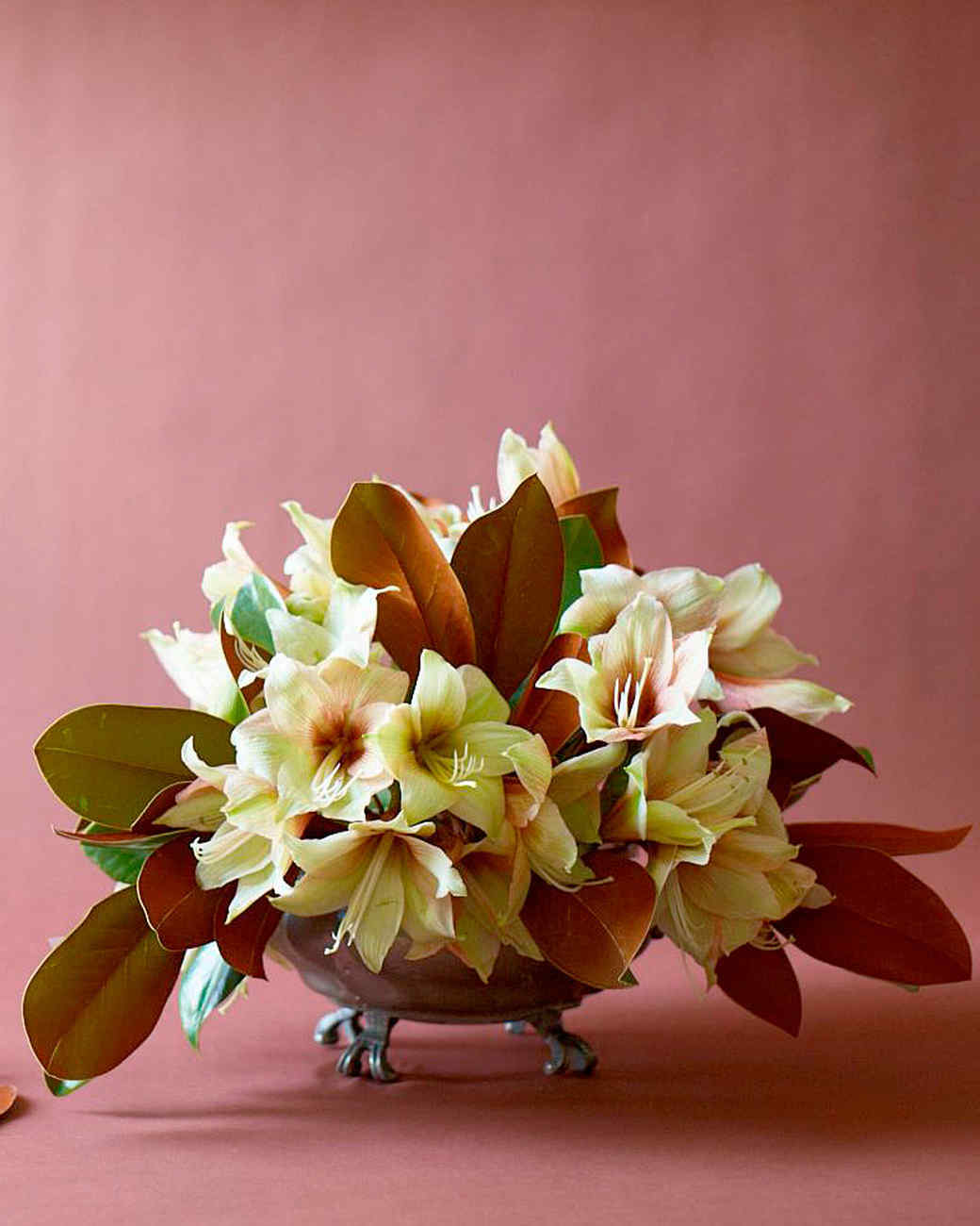 flower-arranging-ld106679-winter-arrangement.jpg