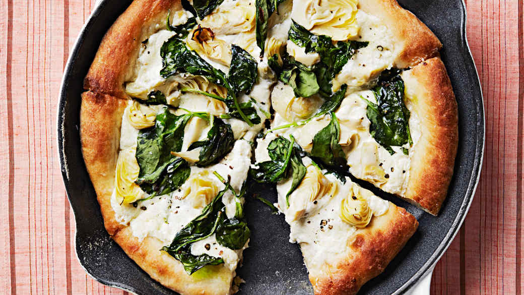 Artichoke-and-Spinach Skillet Pizza