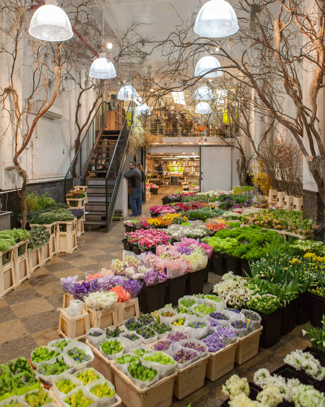 Behind the scenes shop the flower market with kevin for Flower shop design layouts