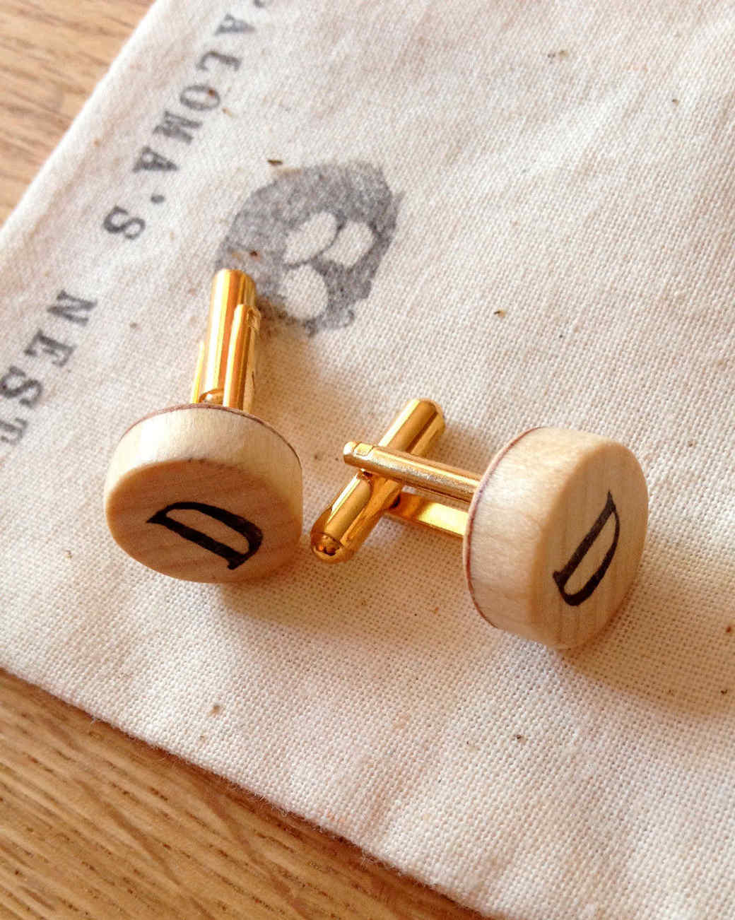 palomas-nest-wooden-cufflink-set-personalized-0915.jpg