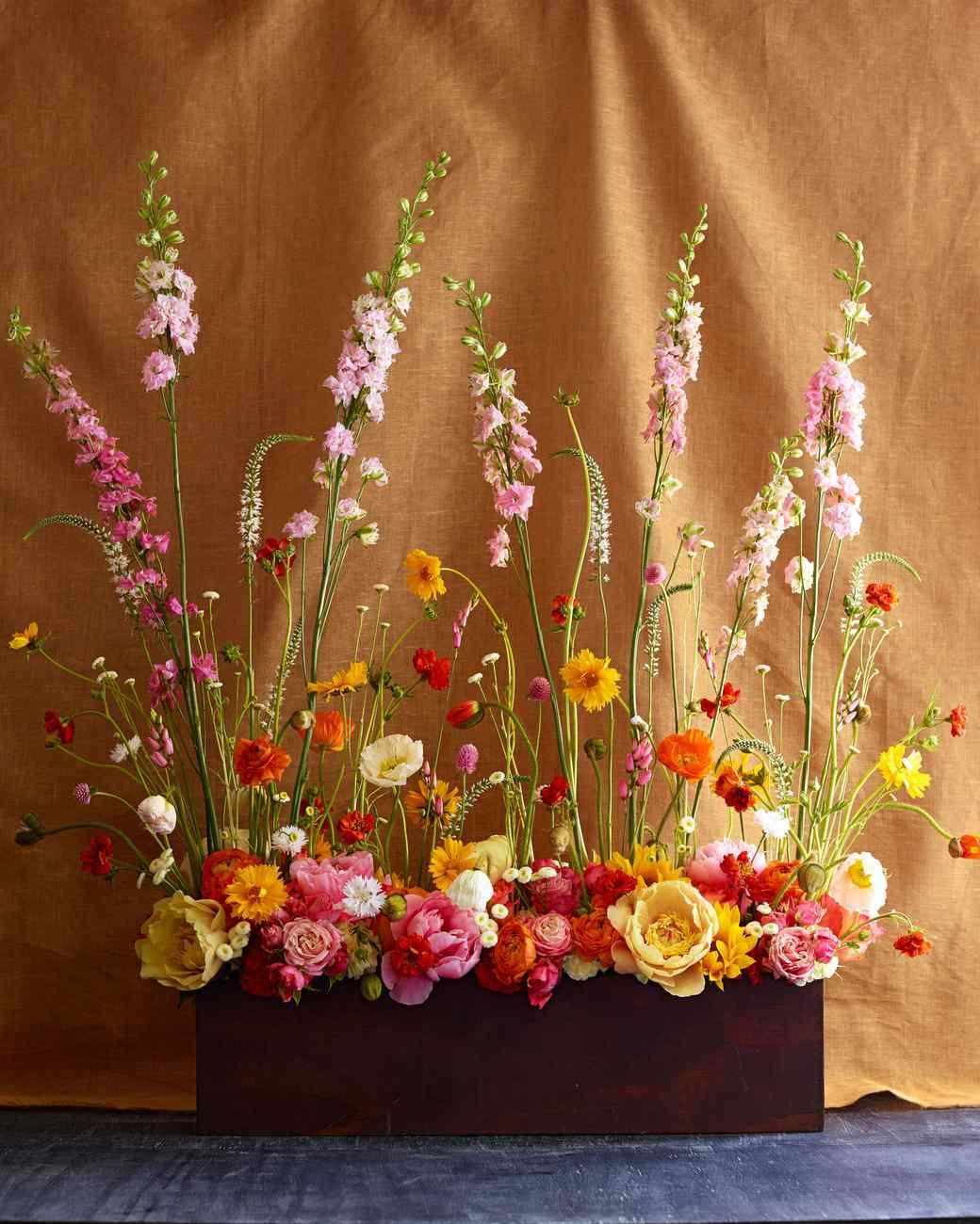 The secret to sky high flower arrangements martha stewart for Martha stewart floral arrangements