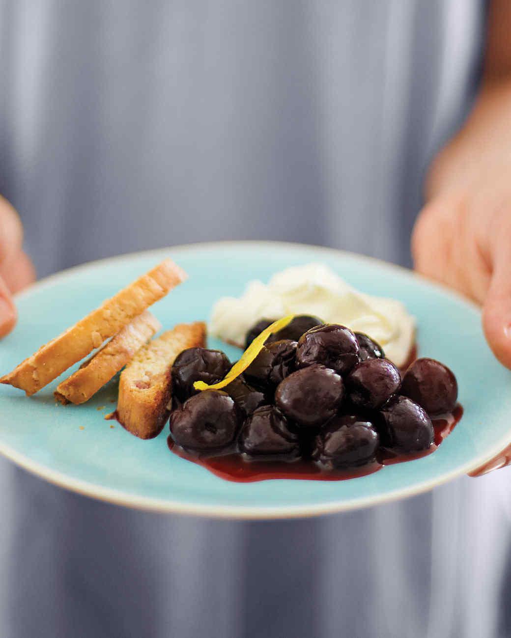 drunken-cherries-with-mascarpone-cream-116-d107417-0615.jpg