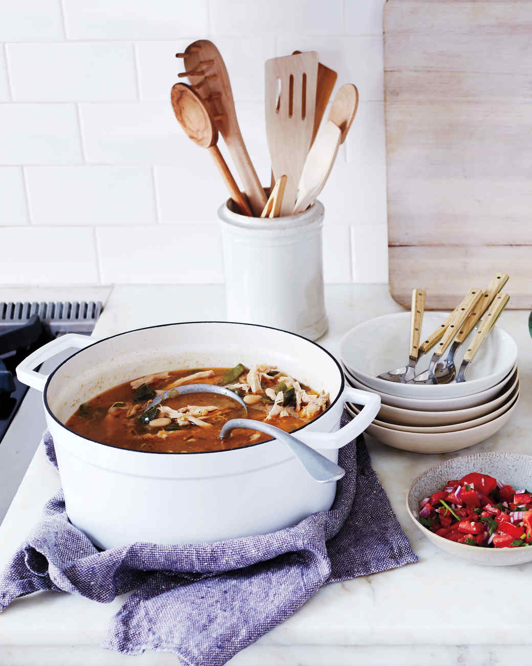 chicken-chili-stew-with-salad-and-pico-278-exp-2-d111325.jpg