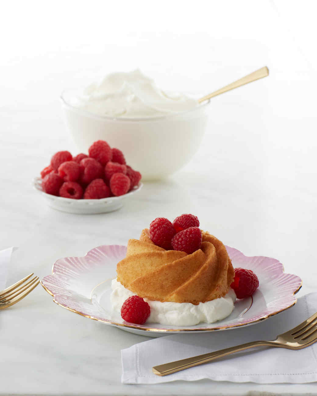 Cake With Whipped Cream Storage : Whipped-Cream Cakes