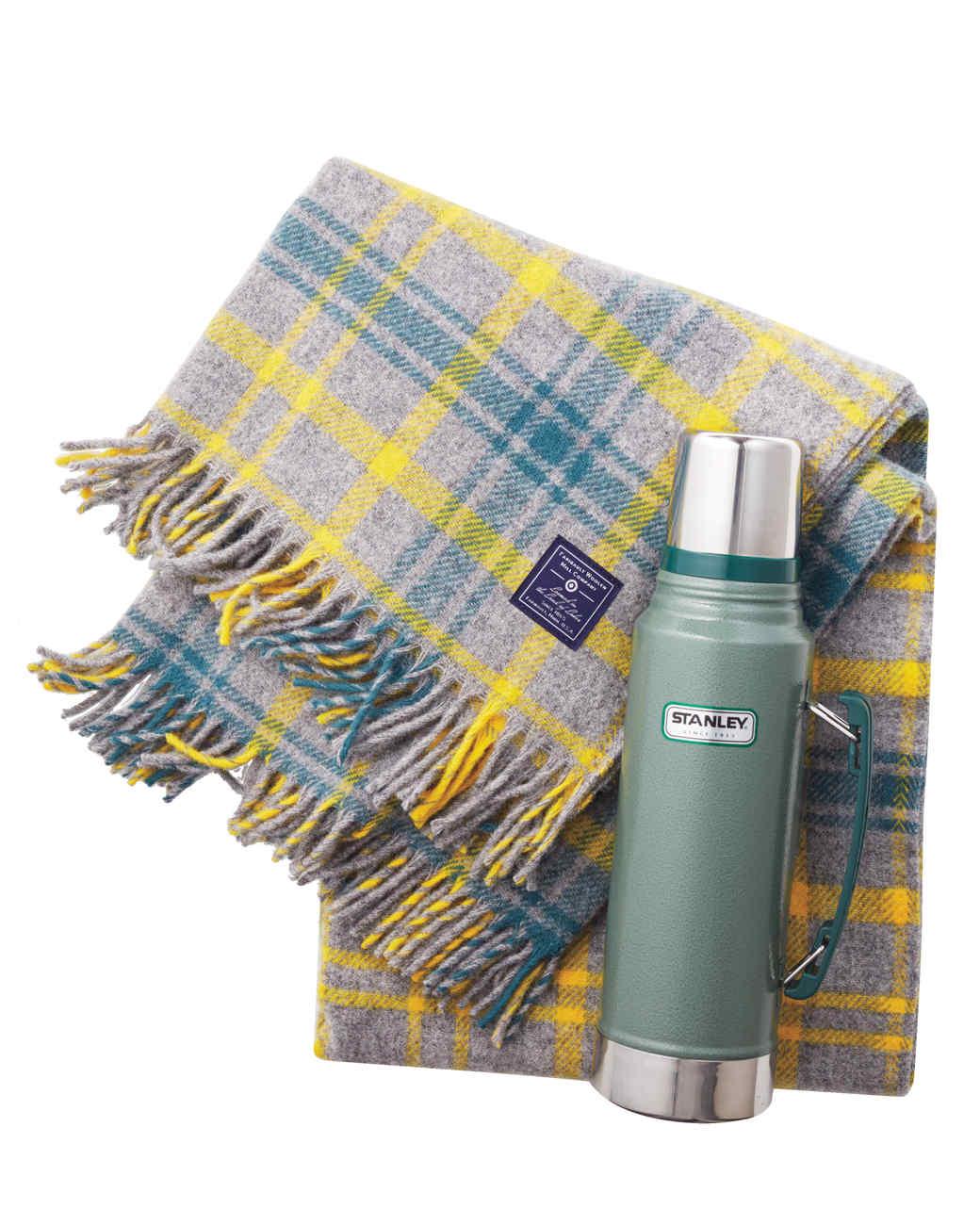 faribault-target-wool-plaid-blanket-with-thermos-088-d112494.jpg