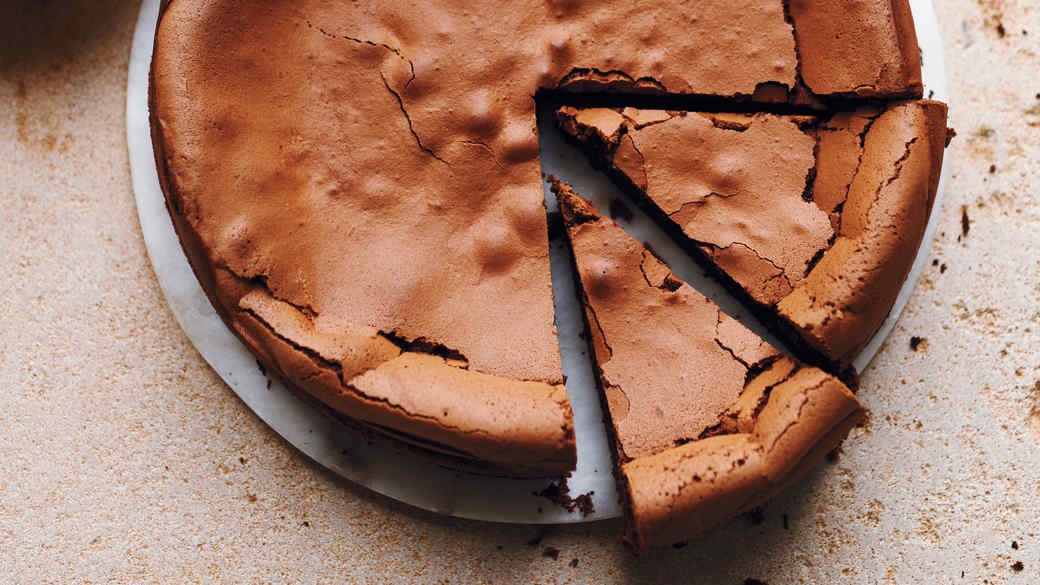 Comfort Cakes: The Irresistible Flourless Chocolate Cake
