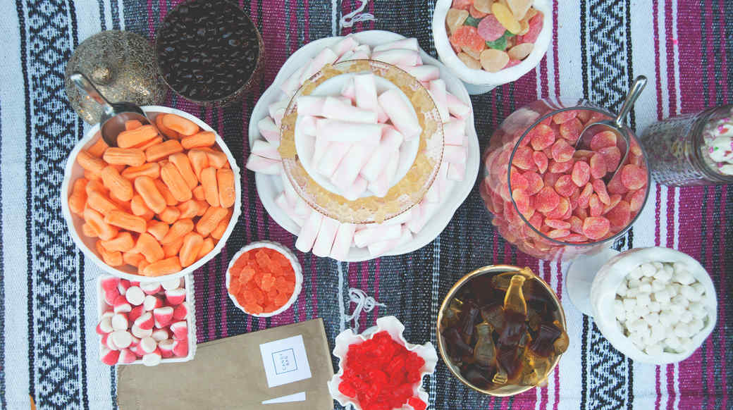 claire-thomas-bachelorette-party-outdoor-movie-night-candy-bar-0415.jpg