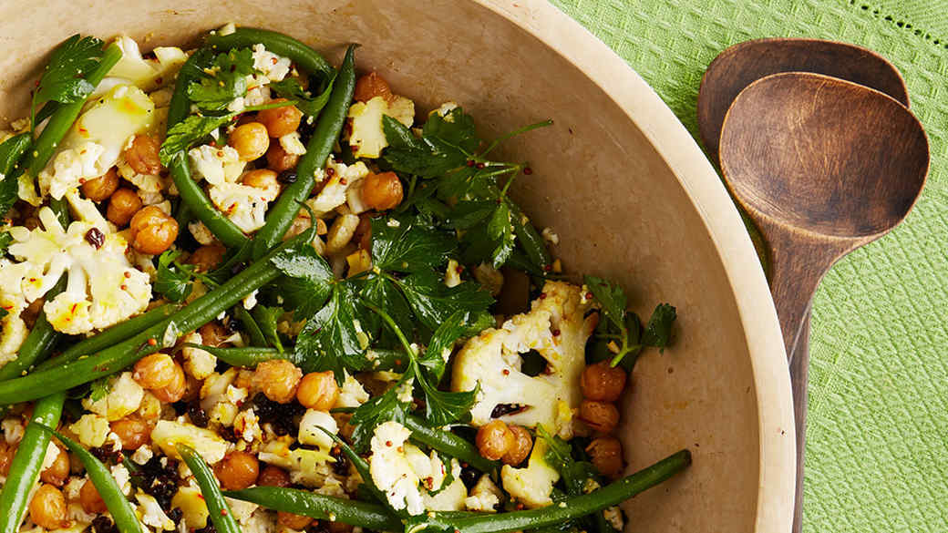 cauliflower salad with chickpeas