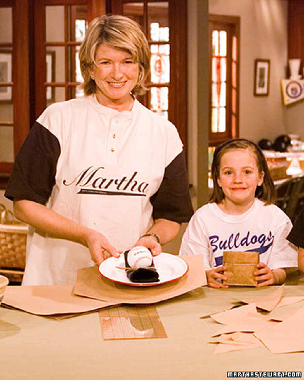 Kids 39 birthday baseball table setting martha stewart for A bathroom i can play baseball in