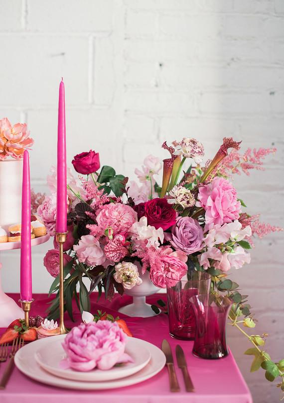 dark_pink_florals_0512.jpg (skyword:276118)